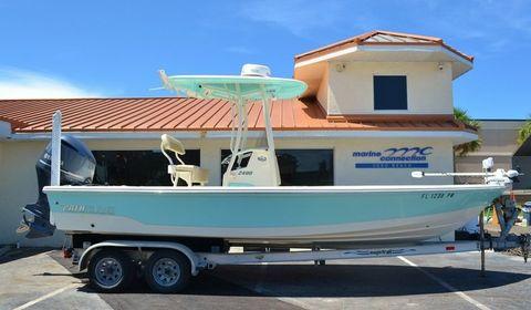 2015 Pathfinder 2400 TRS Bay Boat