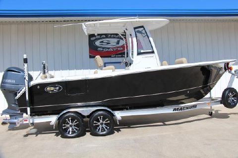 2018 SEA HUNT Ultra 235SE
