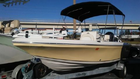 2015 SAILFISH 1900 BB Bay Boat