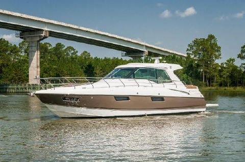 2016 Cruisers 48 Cantius Port Profile