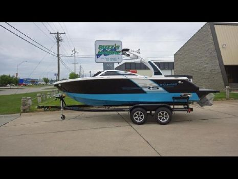 2015 Four Winns H230RS with Wakeboard Tower