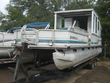 1995 Sun Tracker PARTY BARGE 30
