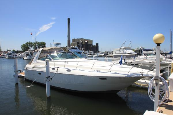 2003 Cruisers 3870 Express