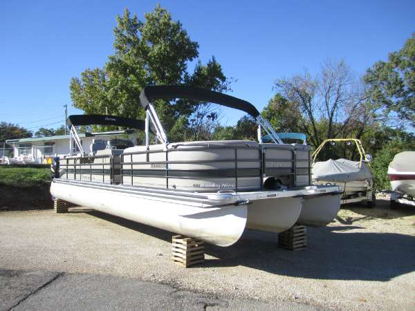 2009 PREMIER BOATS Boundary Waters 310