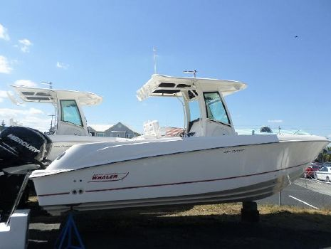 2015 Boston Whaler 28OR