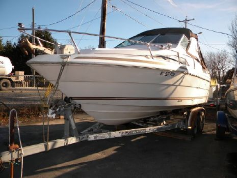 1985 Sea Ray 230 Cuddy