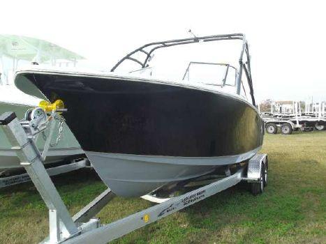 2015 Sea Hunt 235 Escape SE