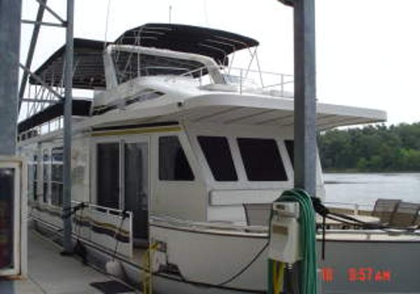 2005 Legacy Lake Yacht 75 Houseboat