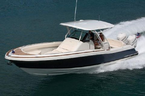 2017 Chris-Craft Catalina 34 Manufacturer Provided Image