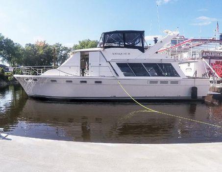 1989 Bayliner 4588 Motoryacht Portside @ Dock