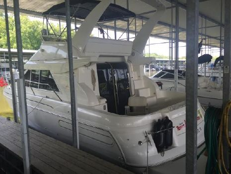 1999 Cruisers 3585 Flybridge
