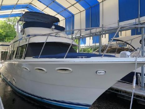 1983 Bluewater Yachts Sedan