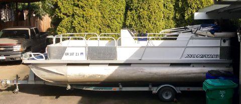 1995 Monark Deck boat