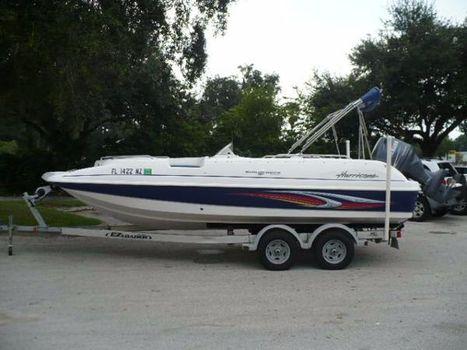 2010 Hurricane 201 OB Deck Boat