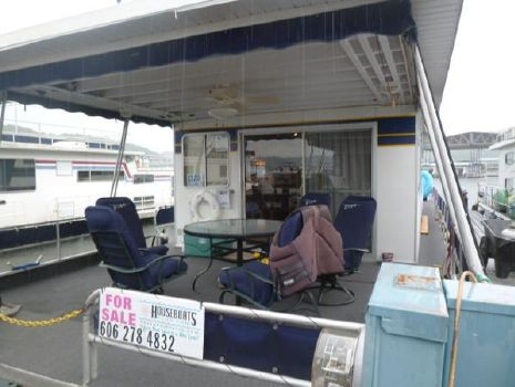 1988 Jamestowner Houseboat