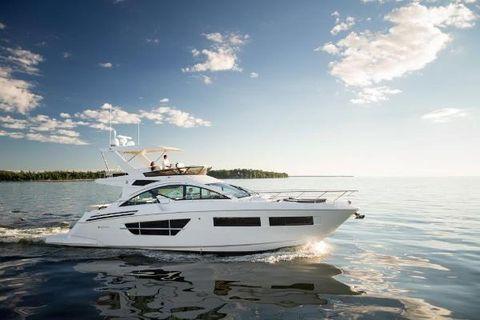 2017 Cruisers Yachts Flybridge 60 Flybridge