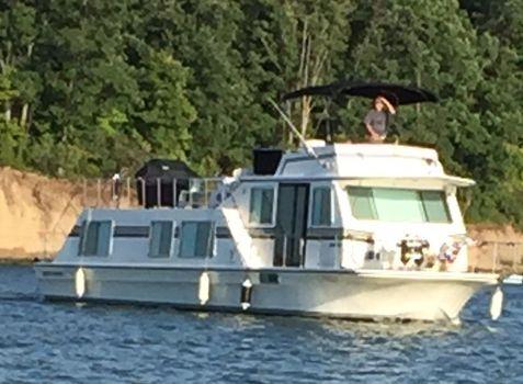 1995 Harbor Master 520 Wide Body