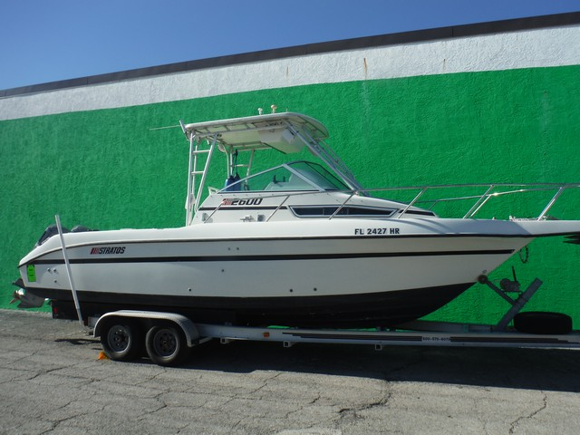 1990 Stratos Boats 2600