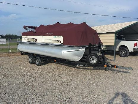 2009 LOWE LS200 pontoon
