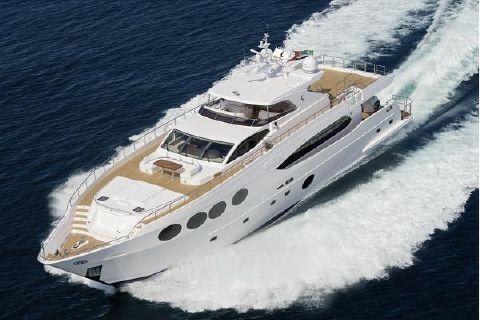 2016 Majesty Yachts 105