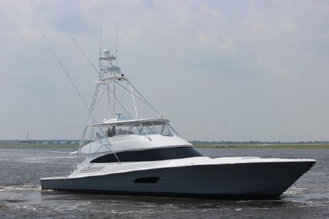 2019 Viking 92 Convertible