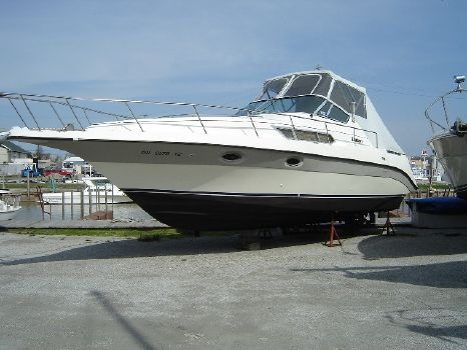 1988 Cruisers 3110