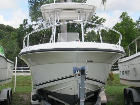 2005 Angler Boats 230 Center Console with Yamaha Four Stroke Engine Lots of Shine