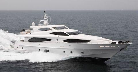 2017 Majesty Yachts 122