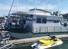1984 HILBURN Houseboat