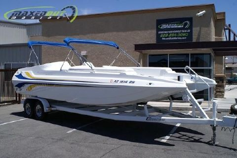 2002 Carrera Boats 257 Party Effect