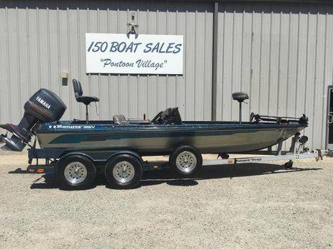 1993 Ranger 392V Bass Boat