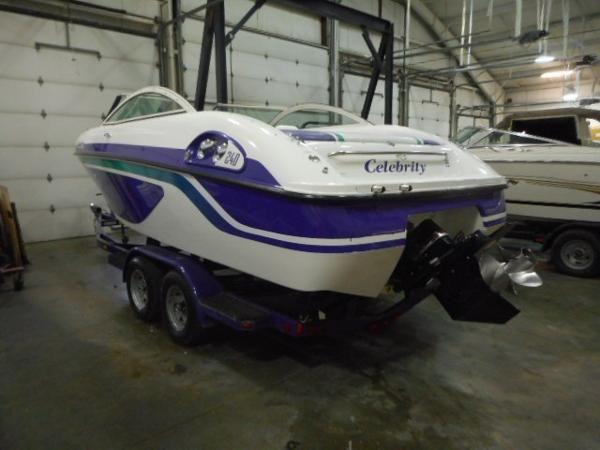 1997 Celebrity Bowrider 190 19 Boat | eBay