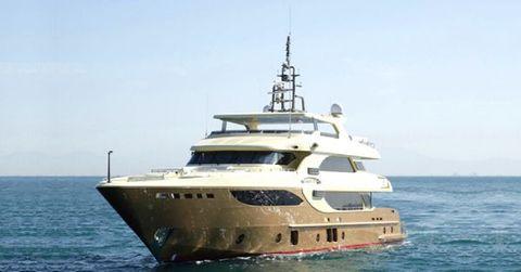 2016 Majesty Yachts 135