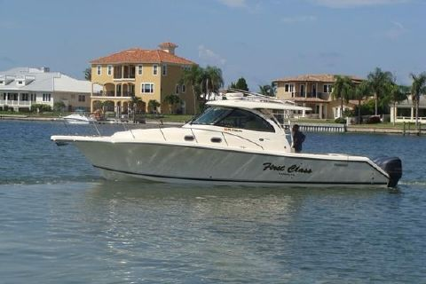 2014 Pursuit 385 Offshore FIRST CLASS