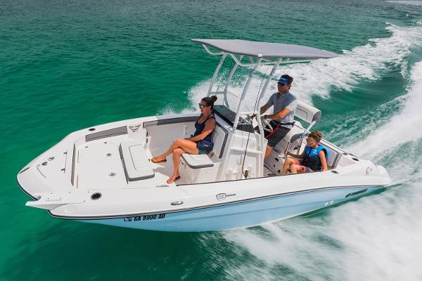 2018 Yamaha Boats 190 FSH Sport Manufacturer Provided Image