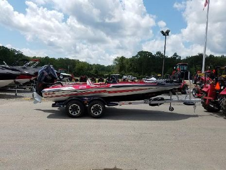 2019 BASS CAT BOATS Caracal