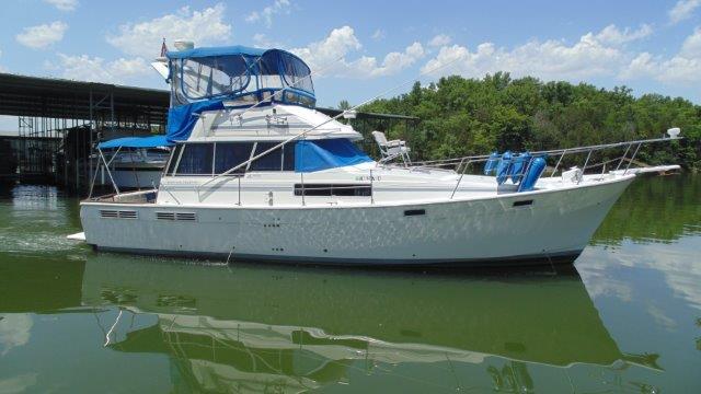 1989 Bayliner Sport Yacht 3888 Motor Yacht
