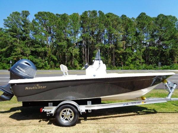 2017 Nautic Star 1810 Bay