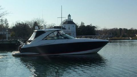 2008 Cobalt Express Starboard Side View