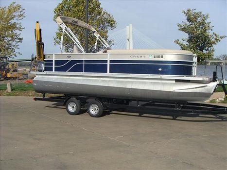 2014 Crest Pontoon Boats Classic 230