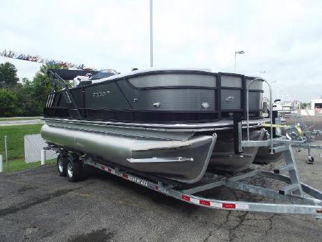 2017 Crest Pontoon Boats CALIBER 230L
