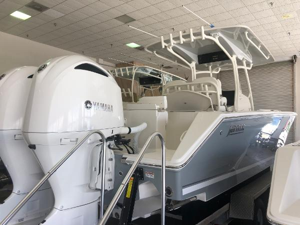 Check out this 2019 JUPITER 30 FS on Boattrader com