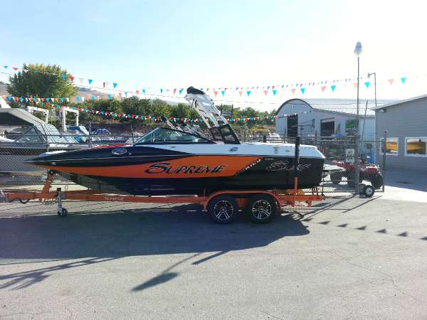2015 SUPREME BOATS S226 PICKLEFORK