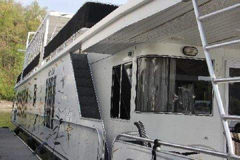 2000 Fantasy Houseboat 19' x 100' Widebody