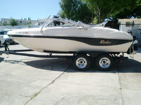 2002 Rinker 18' Boat