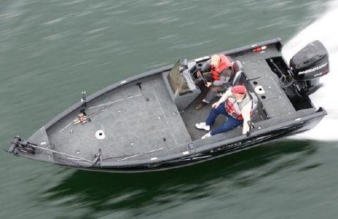 2010 Lund 2010 Predator Tiller SS model shown.