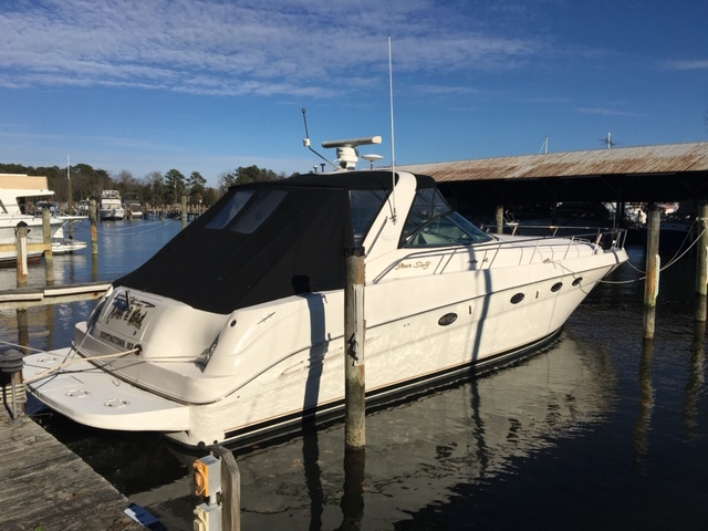 2000 Sea Ray 460 Sundancer Starboard Side View