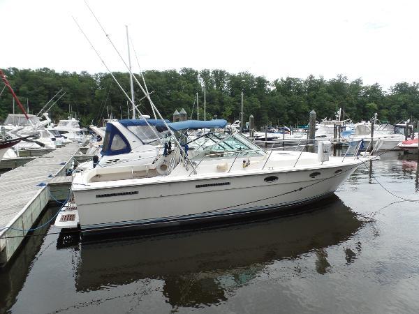 1985 Tiara 3100 Open Tiara 31 Starboard Profile
