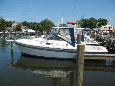 1988 Luhrs 27 Alura with 40 HRS SMOH