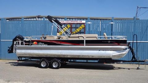 2014 Sun Tracker Fishing Barge 24 DLX